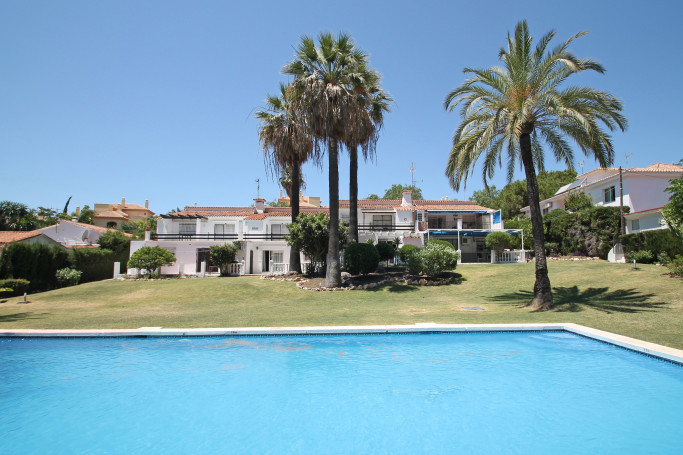 Apartment, ref: 1158 for sale in Nueva Andalucia centre, Marbella West
