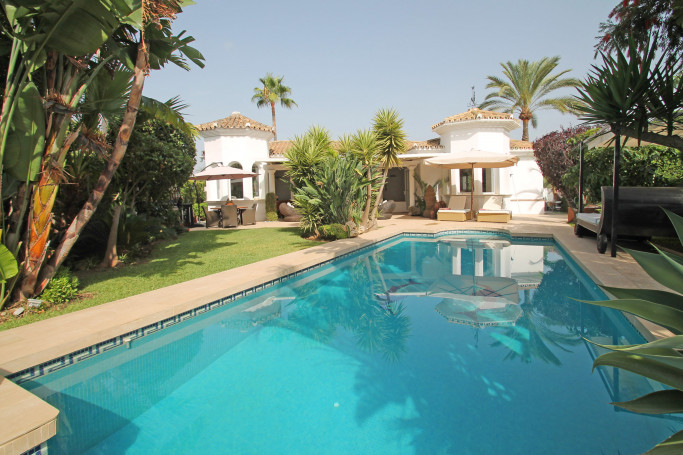 Villa, ref: 1180 for sale in El Colorado, Marbella West