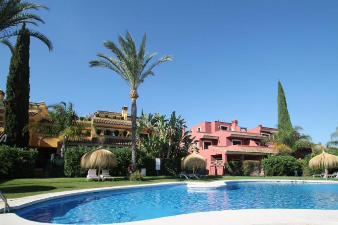 Townhouse, ref: 1183 for sale in El Tomillar de Nagüeles, Marbella Golden Mile