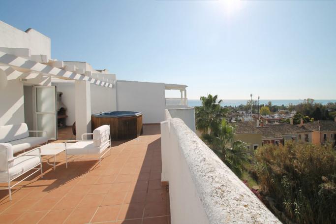 Apartment, ref: 635 for sale in Marbella Real, Marbella Golden Mile