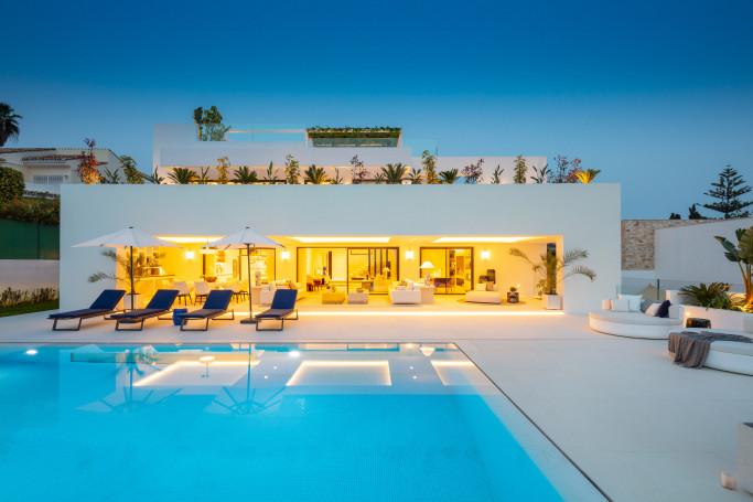 Villa, ref: 1235 for sale in Aloha, Marbella West