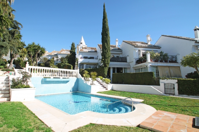 Townhouse, ref: 732 for sale in Montepiedra, Marbella Golden Mile