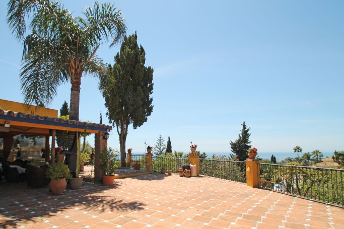 Villa, ref: 416 for sale in El Rosario, Marbella East
