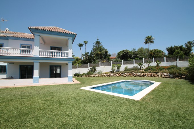 Villa, ref: 757 for sale in Aloha, Marbella West