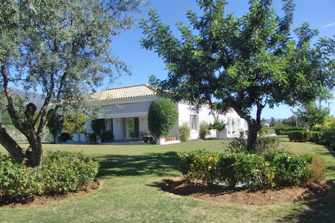 Villa, ref: 288 for sale in Altos de Puente Romano, Marbella Golden Mile