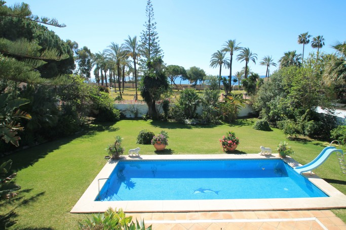 Villa, ref: 922 for sale in Cortijo Blanco, Marbella West