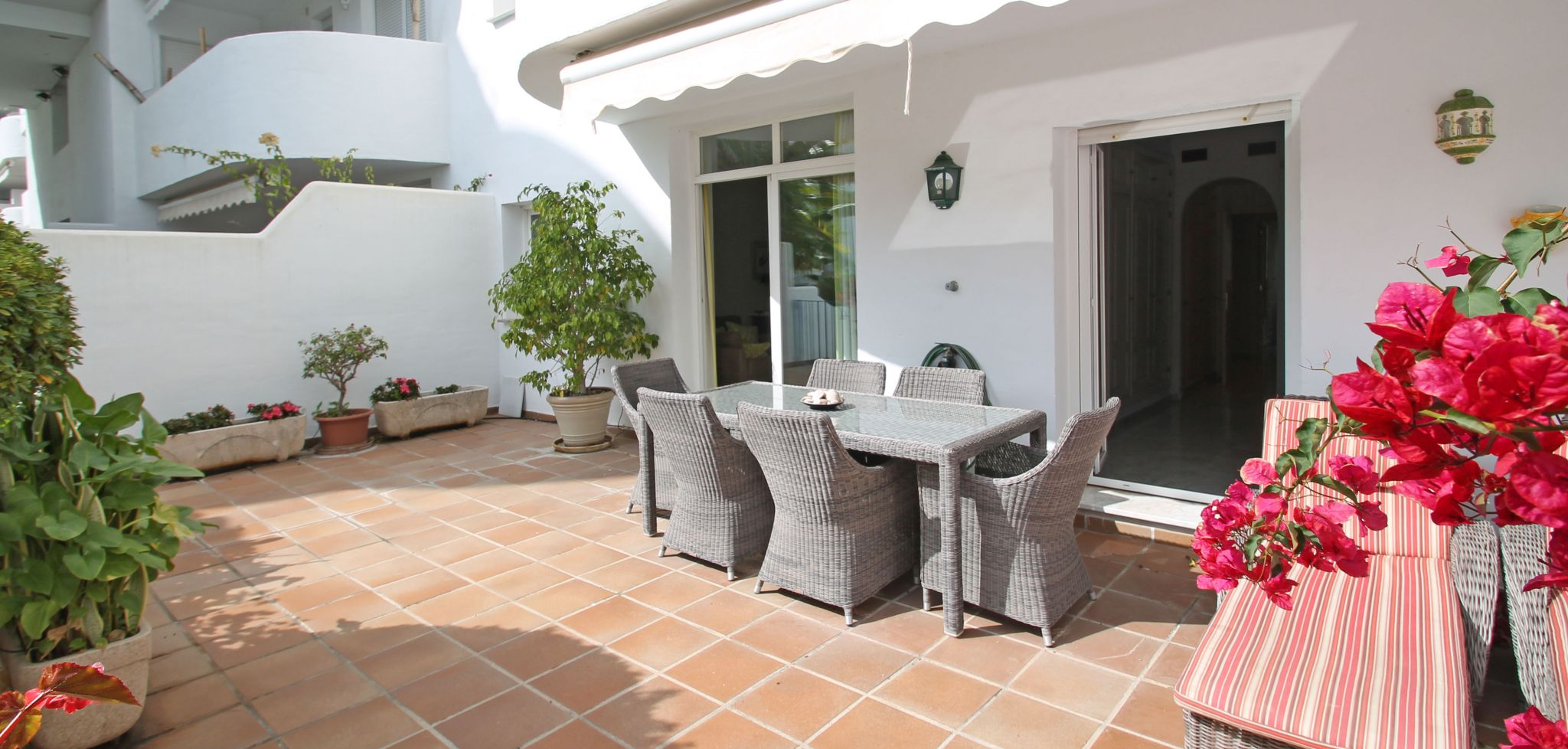 Four bedroom ground floor apartment within walking distance to the beach in Marbella