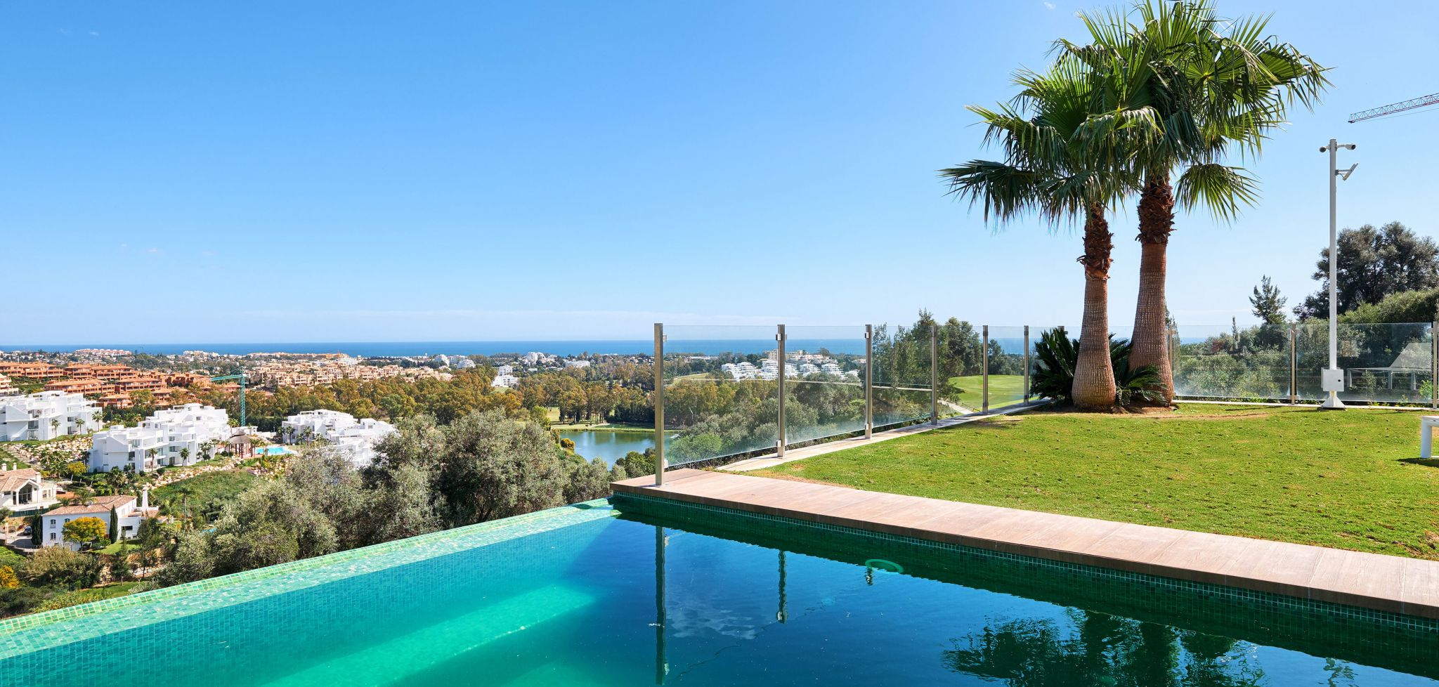Front line golf four bedroom villa with sea views in La Alqueria, Marbella West