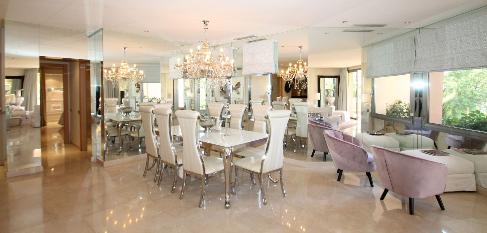 Luxury South facing two bedroom apartment on Marbella's Golden Mile