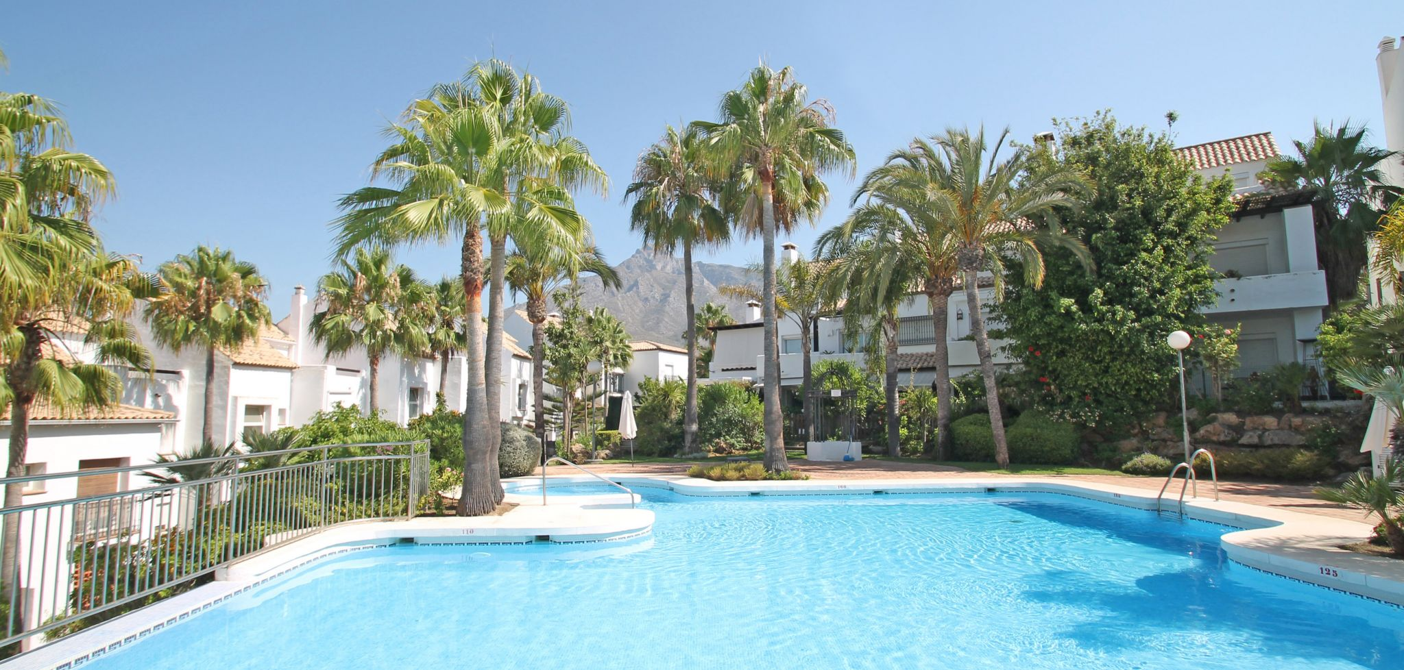 Four bedroom townhouse in a tranquil area on Marbella's Golden Mile