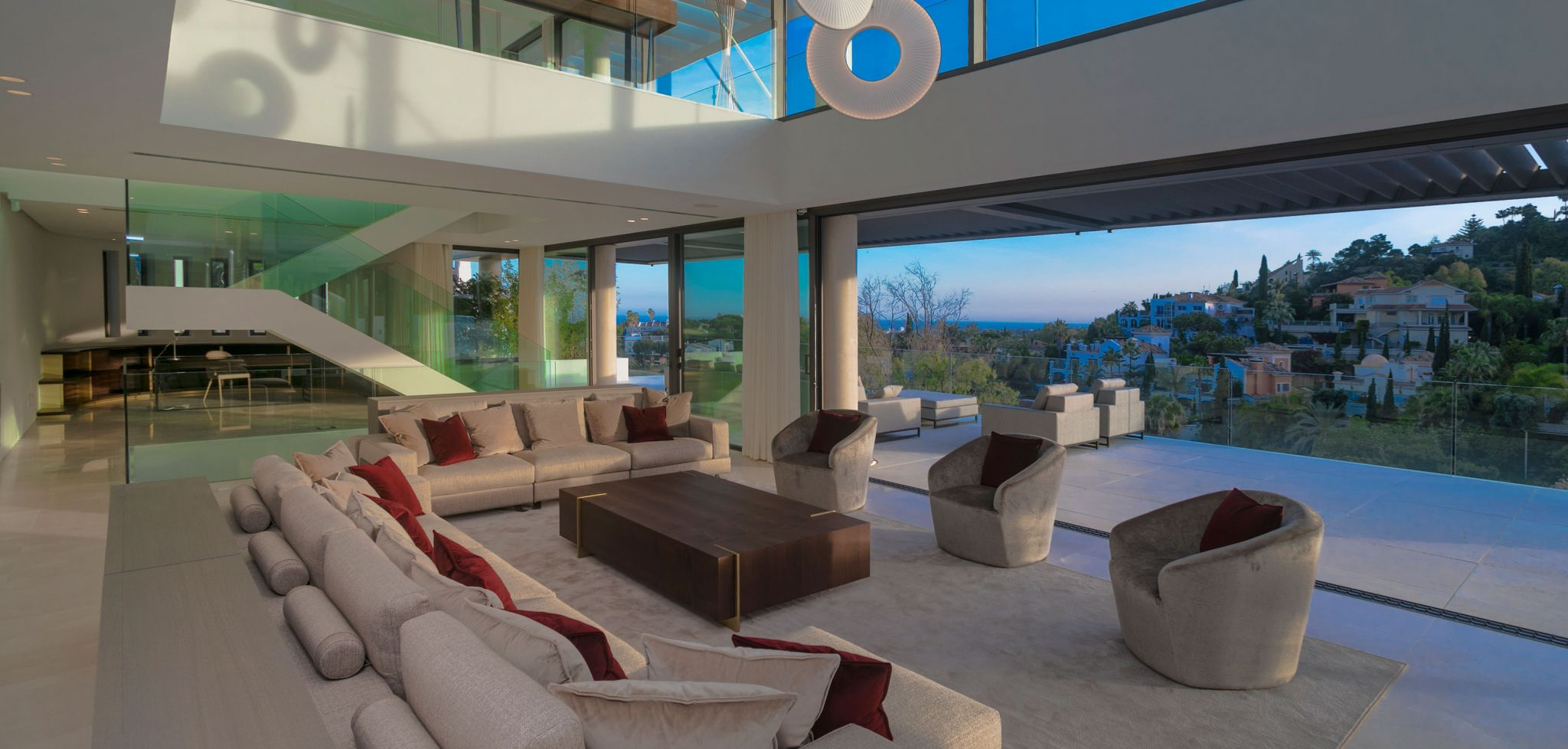 Modern brand new five bedroom villa with sea and golf views in La Quinta