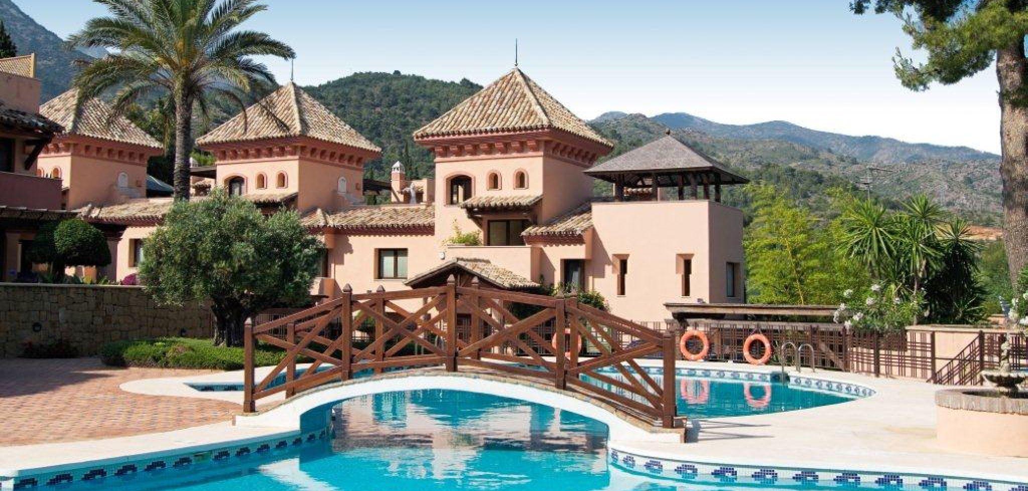 Magnífica villa adosada de tres dormitorios en la Milla de Oro de Marbella