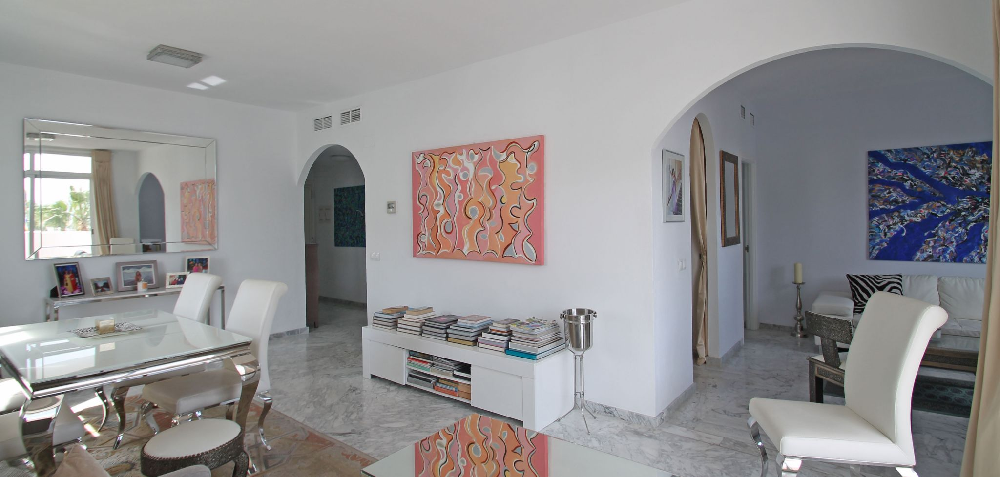 South facing three bedroom apartment on Marbella's Golden Mile
