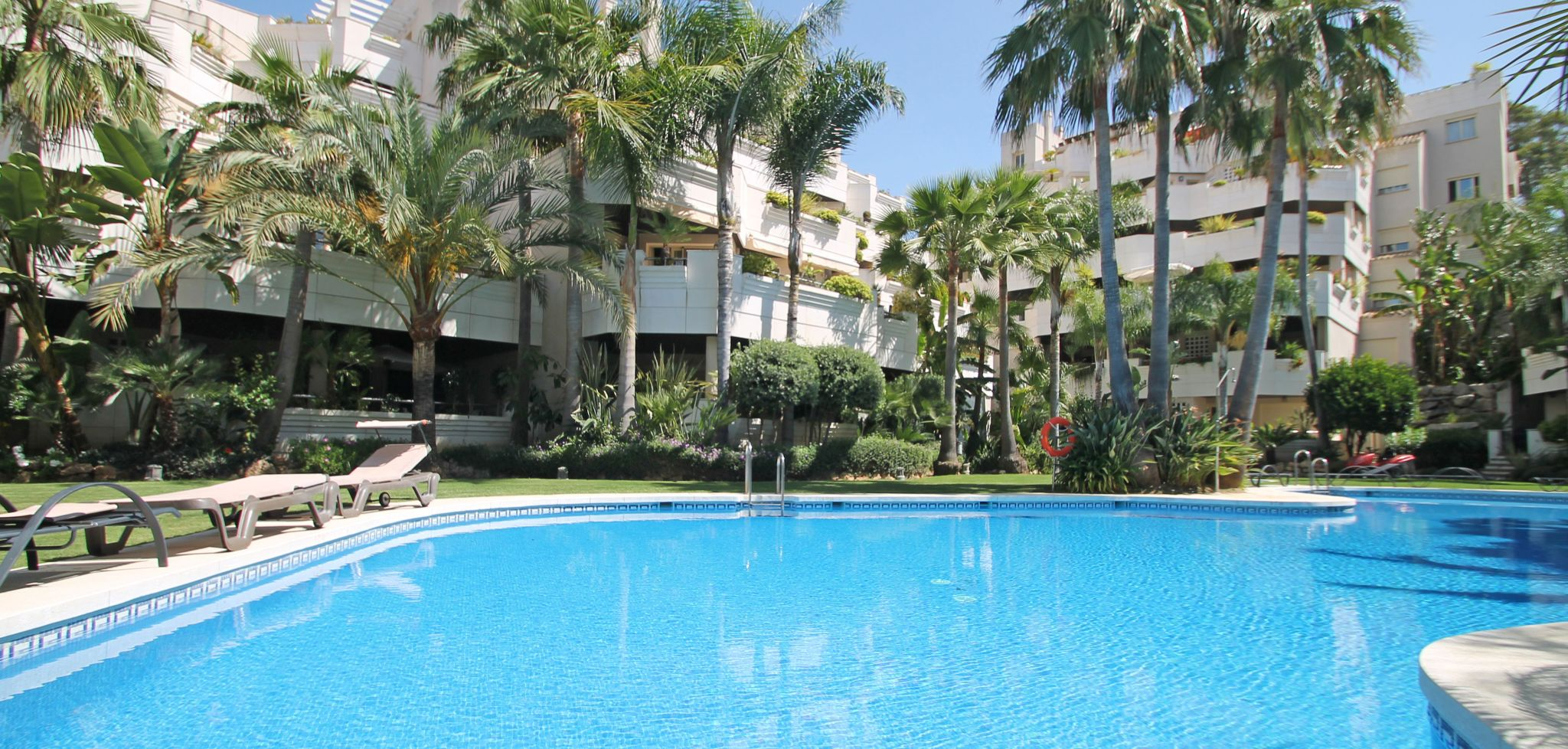 Modern two bedroom apartment in Fuente Aloha, Marbella Nueva Andalucia